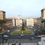 250px-Roma.Piazza_Venezia